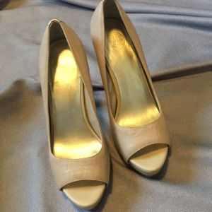Jessica Simpson open toe platform pumps nude 8 1/2
